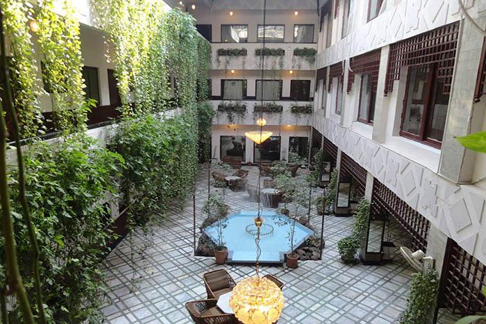 Shelton's Greens Hotel, Peshawar